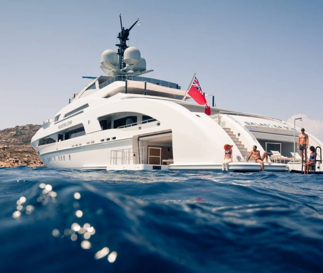 Yacht charter services Los Angeles